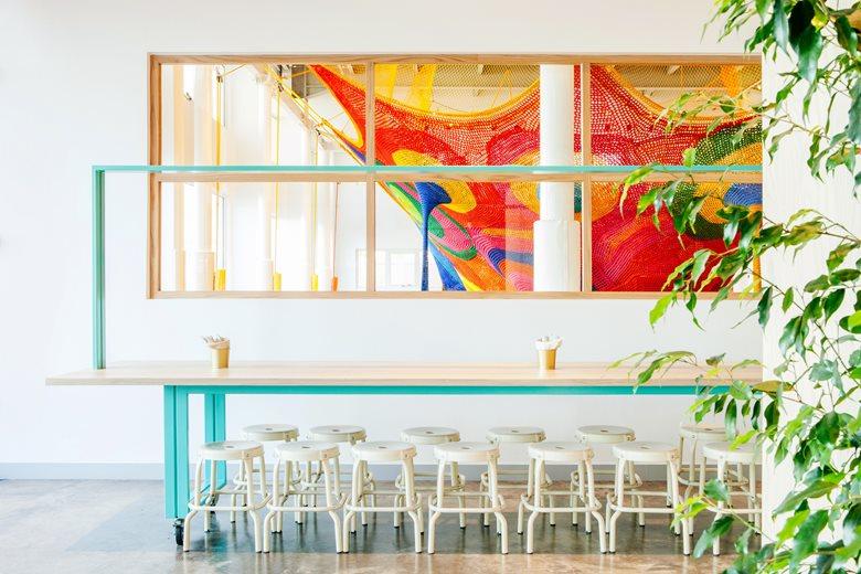 gọi ý trang trí tường quán cafe