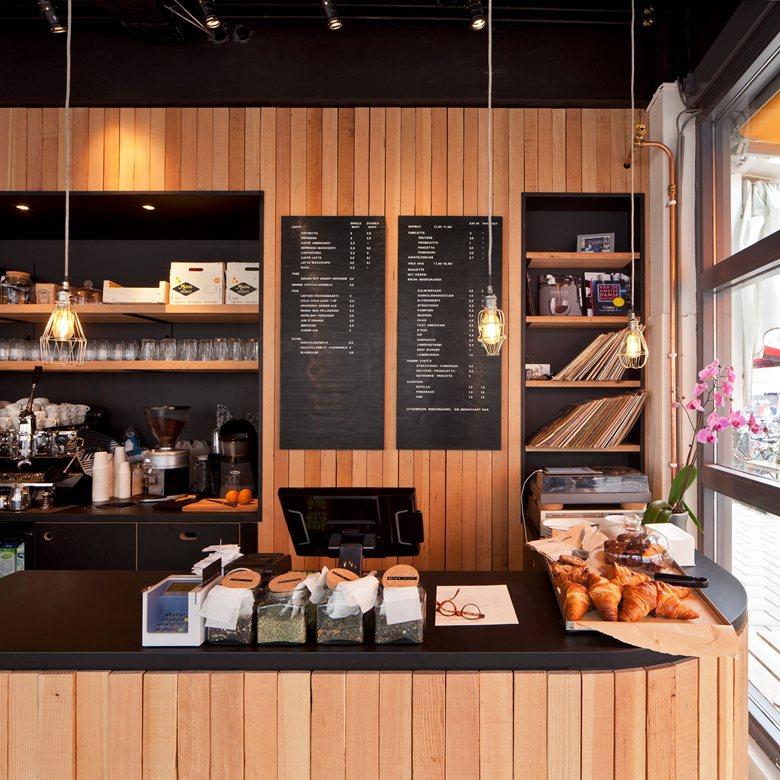 Thiết kế lại nội thất quán cafe
