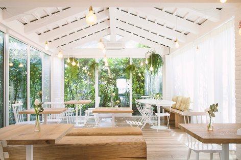 Quán cafe 2 tầng đẹp tại đà nẵng